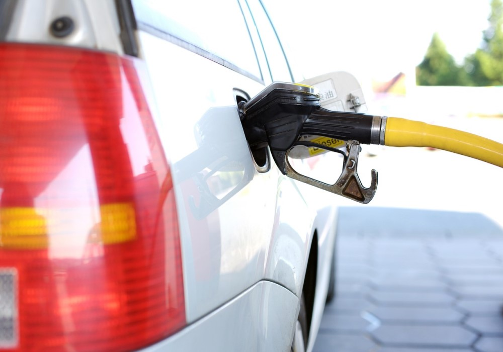 What Happens When You Put Regular Gas In A Premium Car